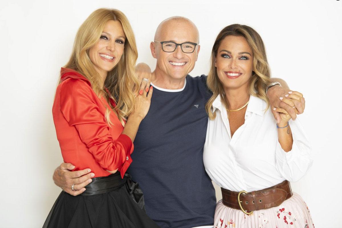 Alfonso Signorini con Adriana Volpe e Sonia Bruganelli
