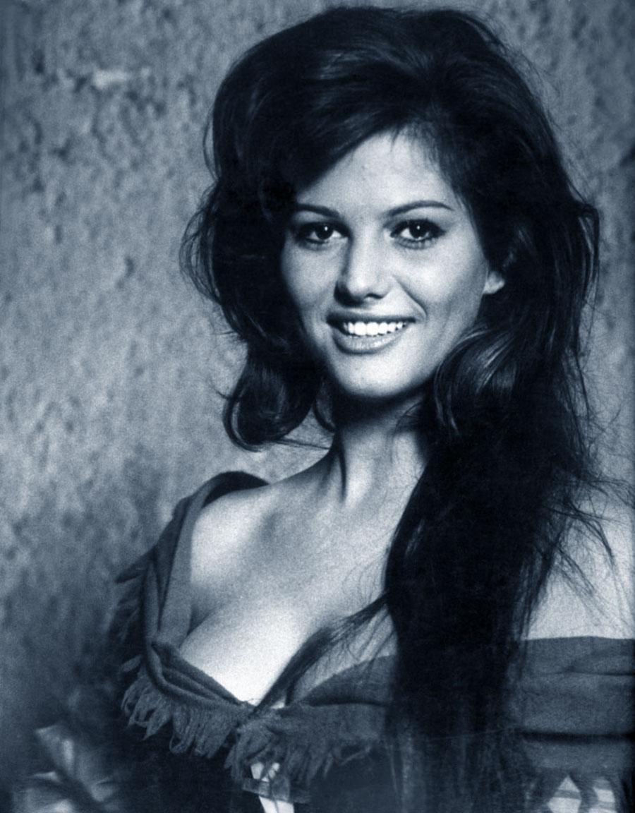 Claudia MILF Sposata