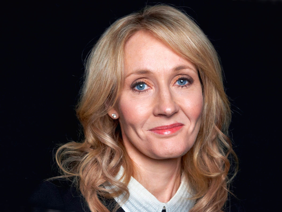 biography of j k rowling Joanne rowling joanne jo rowling(born 31 july 1965), also known by her pen names j k rowling and robert galbraith, is a british novelist best known as the author of the &quotharry potter&quot series.
