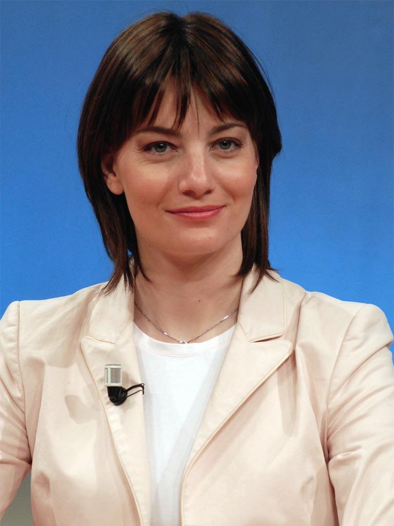 http://biografieonline.it/img/bio/Lara_Comi_3.jpg