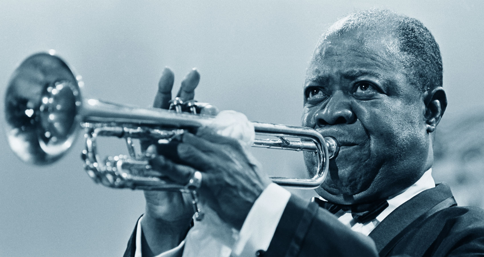 a biography of louis daniel armstrong the american jazz trumpeter Louis armstrong a biography louis armstrong trumpet player, singer biography, louis armstrong, one of the most influential jazz artists of all time, is remembered for.