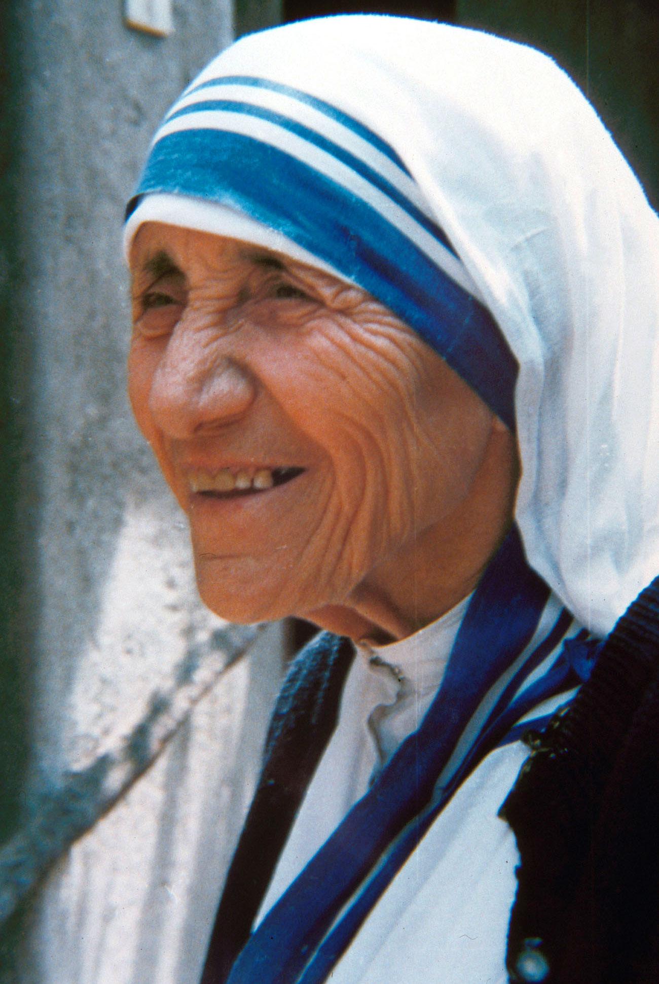 Molto Foto di Madre Teresa di Calcutta WN96