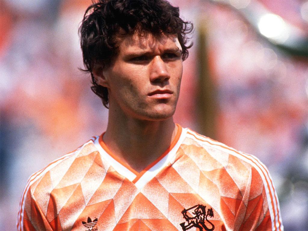 Buat Yang Belum Kenal Marco van Basten Baca Informasi Bola Ini!