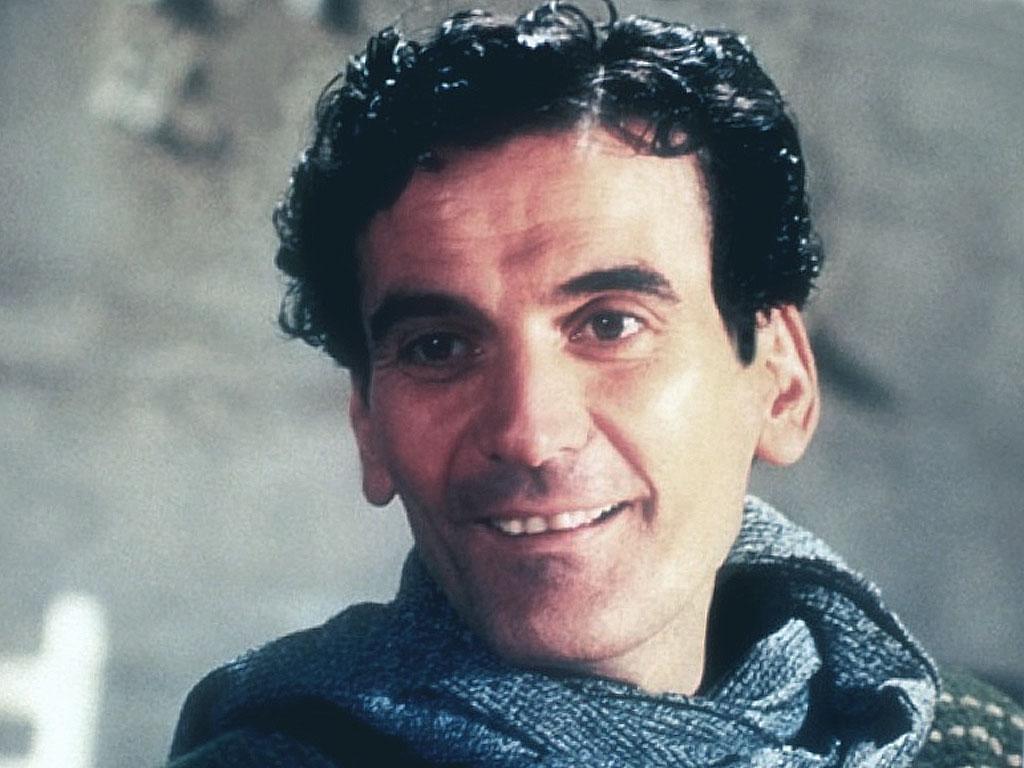 Massimo Troisi biografieonlineitimgbioMassimoTroisi1jpg