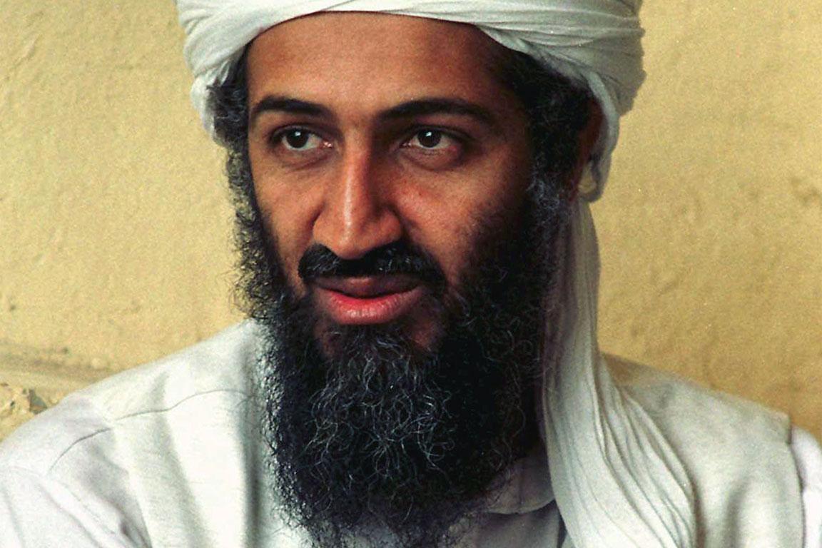 Nel 1988 quando Bin Laden lasciò il Maktab alKhidamat molti dei suoi militanti lo seguirono Mentre ʿAzzām fungeva da supporto per i combattenti afghani Bin