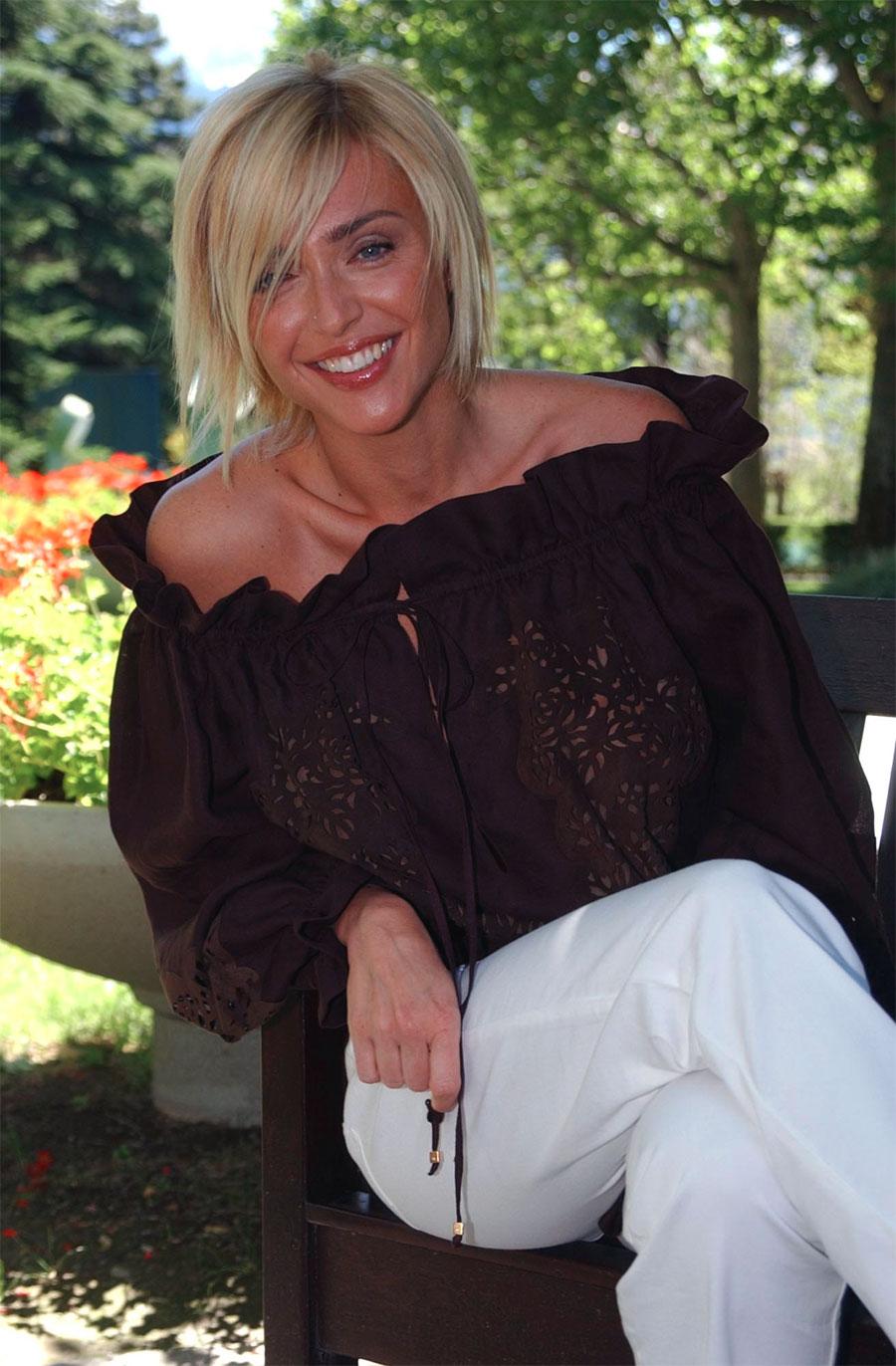Paola Barale (born 1967)