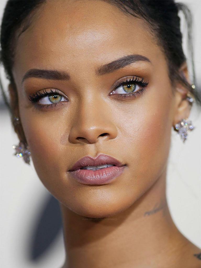 Rihanna, biografia Rihanna