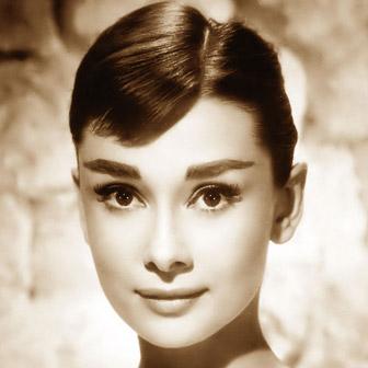 Foto quadrata di Audrey Hepburn