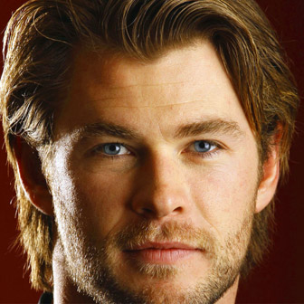 Foto quadrata di Chris Hemsworth