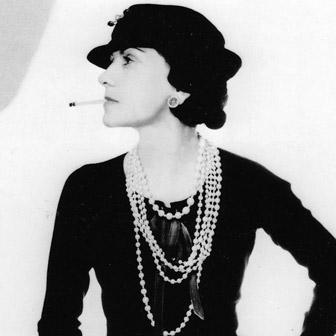 Foto quadrata di Coco Chanel