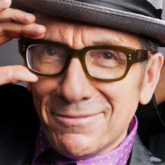 Foto quadrata di Elvis Costello