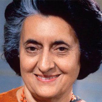 Foto quadrata di Indira Gandhi