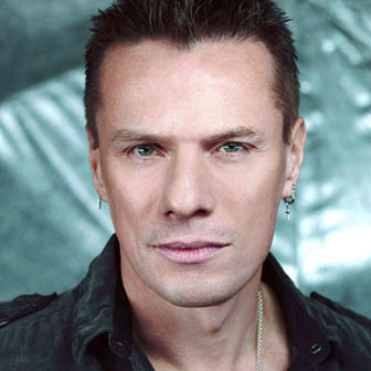 Foto quadrata di Larry Mullen Jr