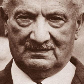 Foto quadrata di Martin Heidegger