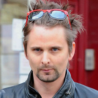 Foto quadrata di Matthew Bellamy