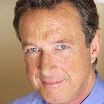 Foto quadrata di Michael Crichton
