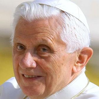 Foto quadrata di Papa Benedetto XVI