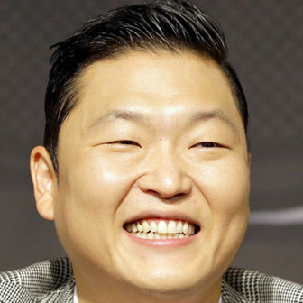 Foto quadrata di Psy