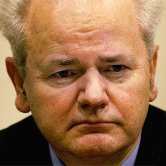 Foto quadrata di Slobodan Milosevic