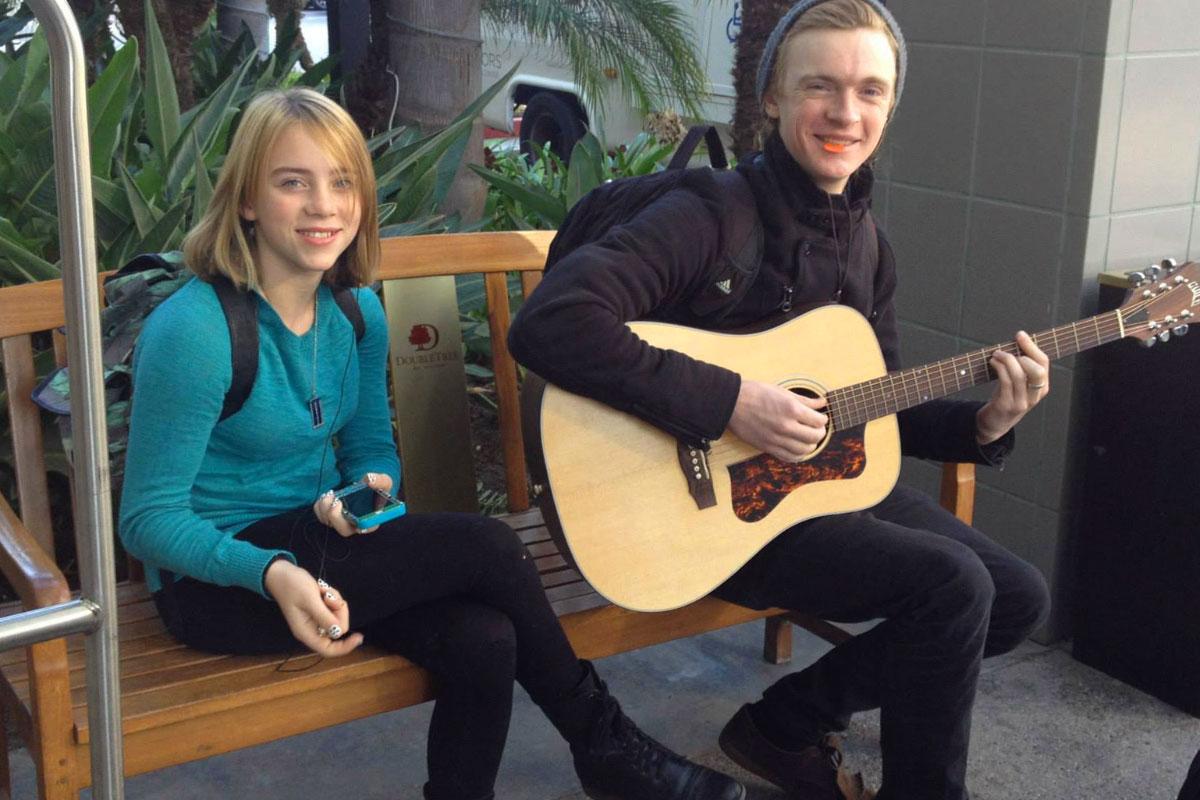 Billie Eilish giovane con il fratello Finneas
