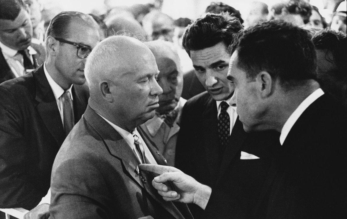 Kruscev e Nixon fotografati da Elliott Erwitt
