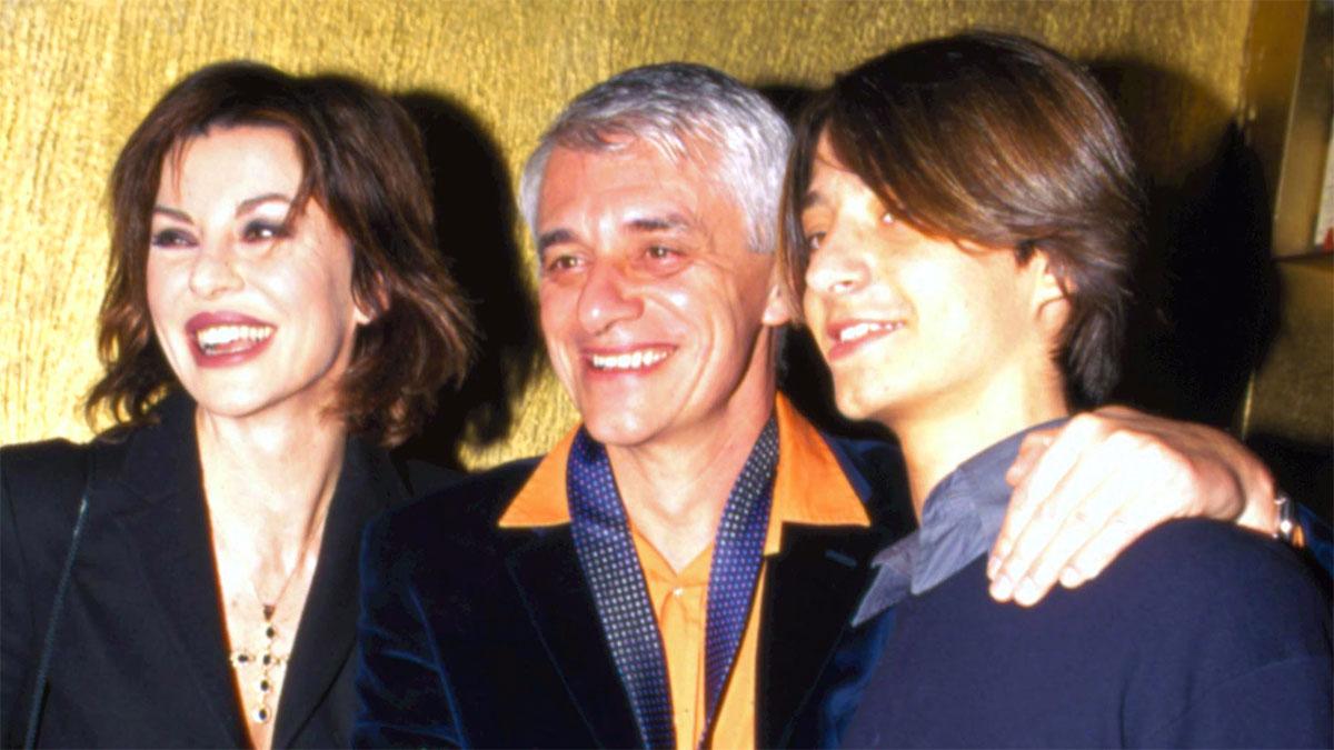 Francesco Oppini con i genitori Alba Parietti e Franco Oppini