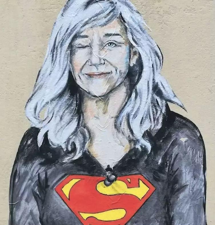 Giovanna Botteri murales superwoman superdonna