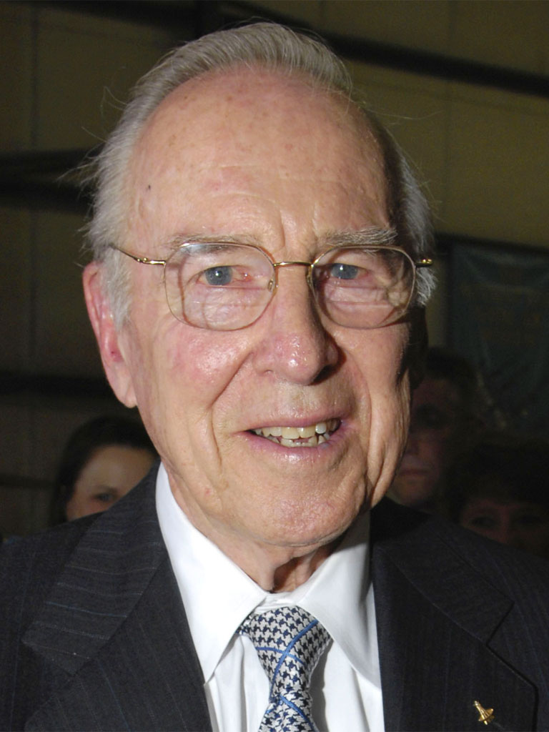 J And D Auto >> Jim Lovell, biografia