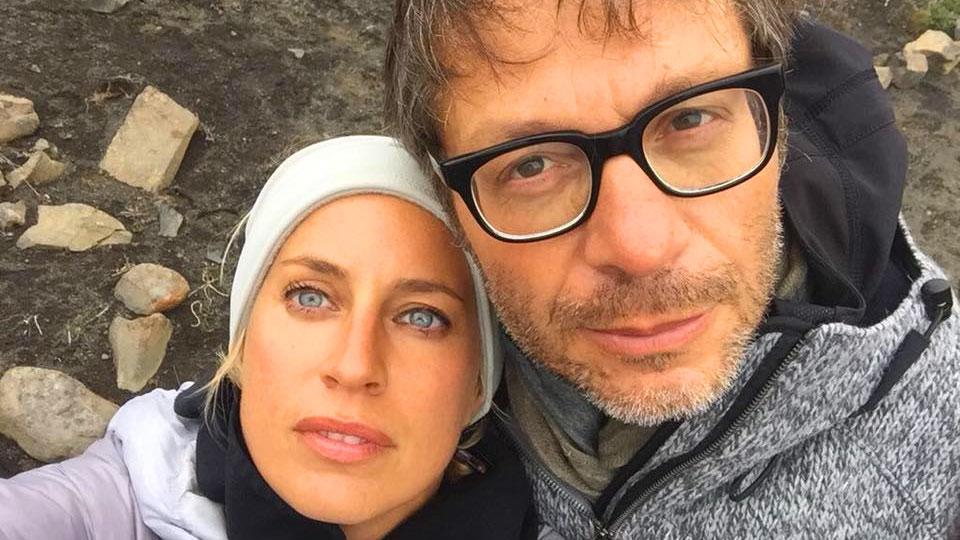 Massimo Recalcati con la moglie Valentina in Islanda