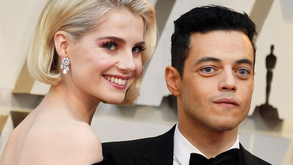Lucy Boynton con Rami Malek