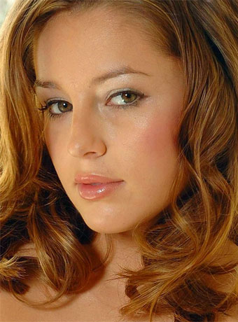 Foto media di Keeley Hazell