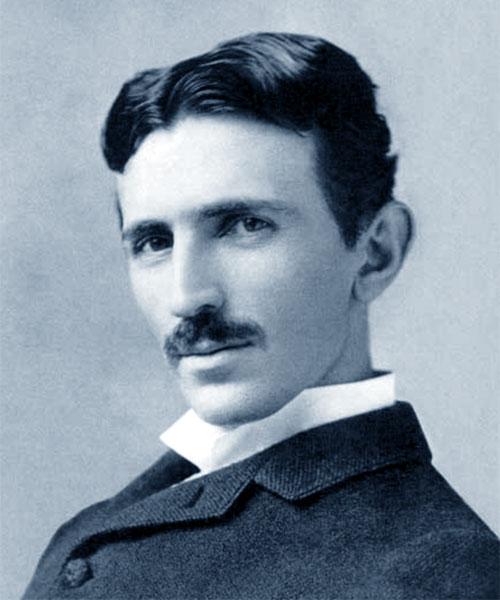 Foto media di Nikola Tesla