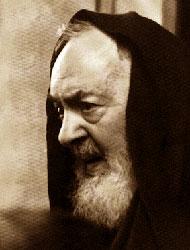 Foto media di Padre Pio